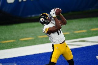 Pittsburgh Steelers receiver Juju Smith-Schuster catches pass during September ESPN 'Monday Night Football' telecast