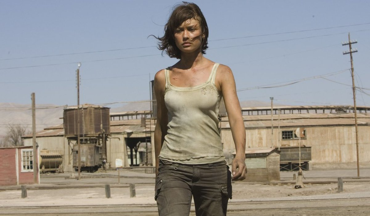 Quantum of Solace Camille Montes walking towards the camera