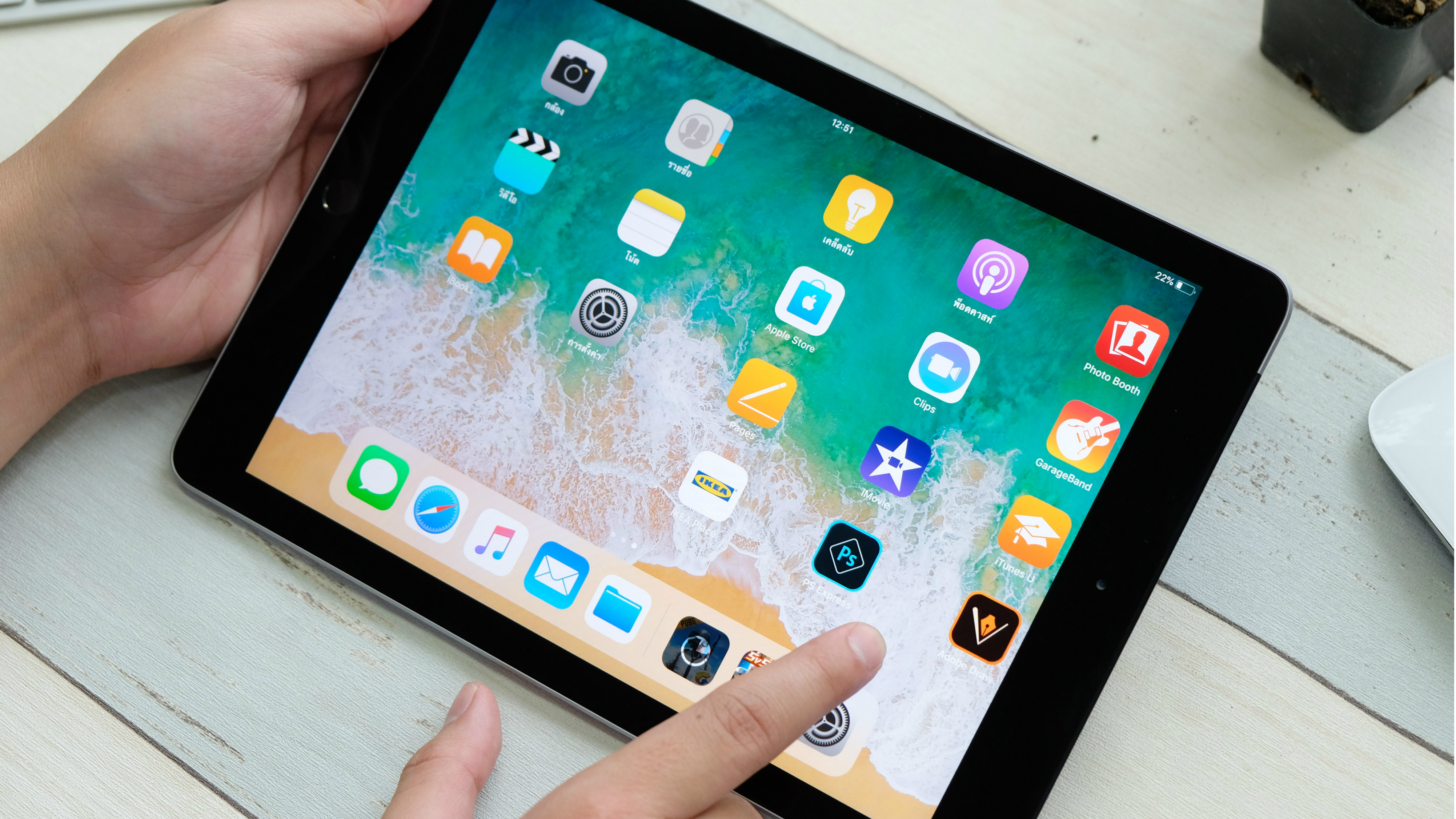 Walmart iPad sale: the latest Apple iPad gets a $100 price cut