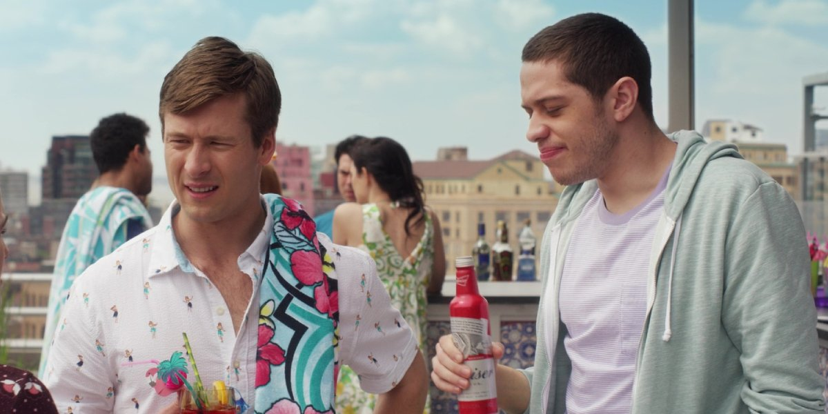 Glen Powell and Pete Davidson in Set It Up