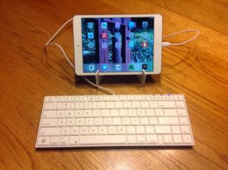 Macally iKeyLT: Full-size Keyboard for your iPad or iPhone