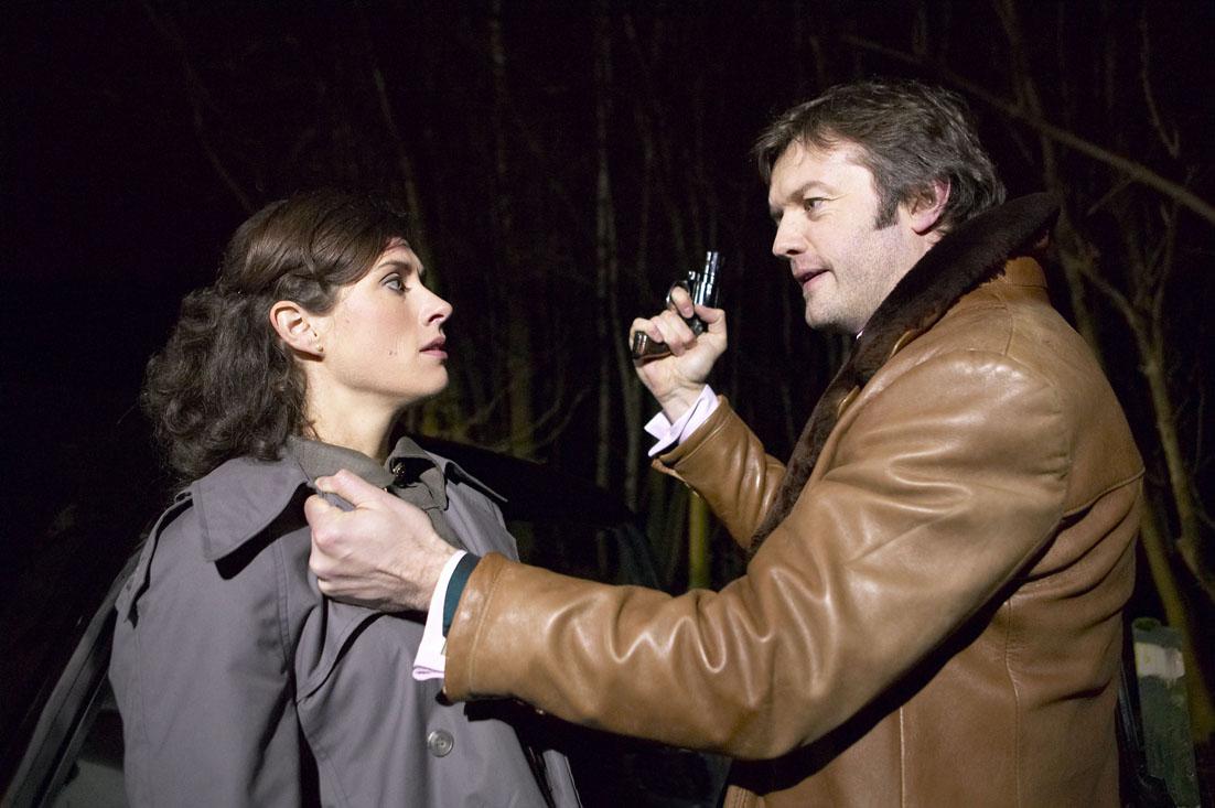 Rachel's held at gunpoint