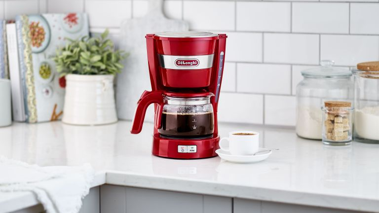 De'Longhi Active Line ICM14011 drip coffee machine