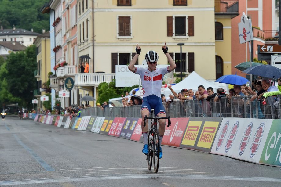 Fred Wright makes it four wins for the Brits on stage seven of the Giro d'Italia u23