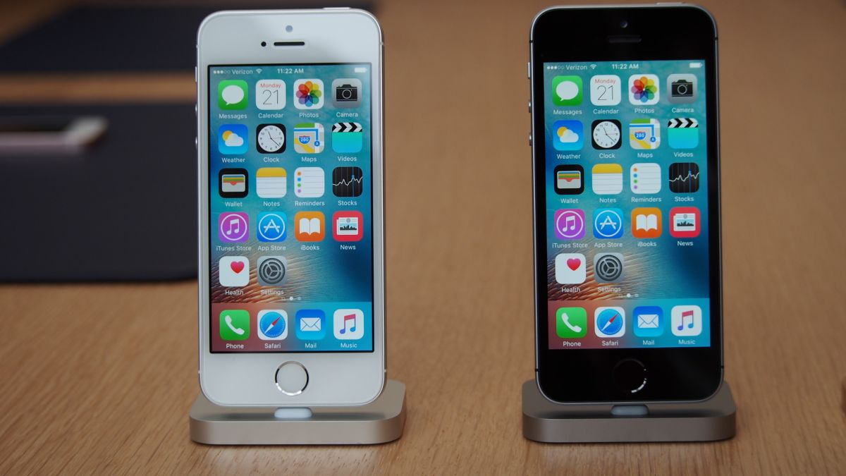 at t iphone 5c the iphone se won t repeat the mistakes of the 5c techradar 2535