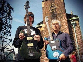 Moore with his Jazzmaster, Ranaldo with his 'Jazzblaster'