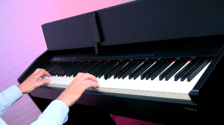 Learn how to play 12 essential chords on your keyboard