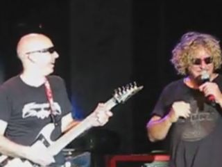 Chickenfoot's first show was hot...too hot