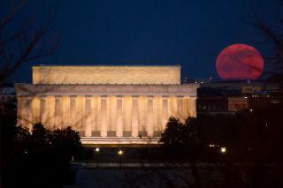 Supermoon Near the Lincoln Memorial