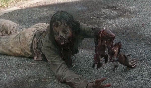the walking dead season 7 crawling walker