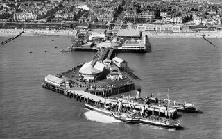 Historic England Archive, AeroFilms Collection