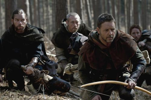 Robin Hood - Russell Crowe's expert archer Robin Longstride in action in Ridley Scott's rousing adventure movie
