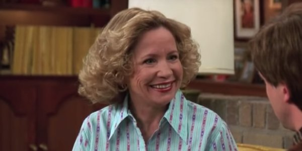 Debra Jo Rupp as Kitty Forman offer motherly advice to her son, Eric