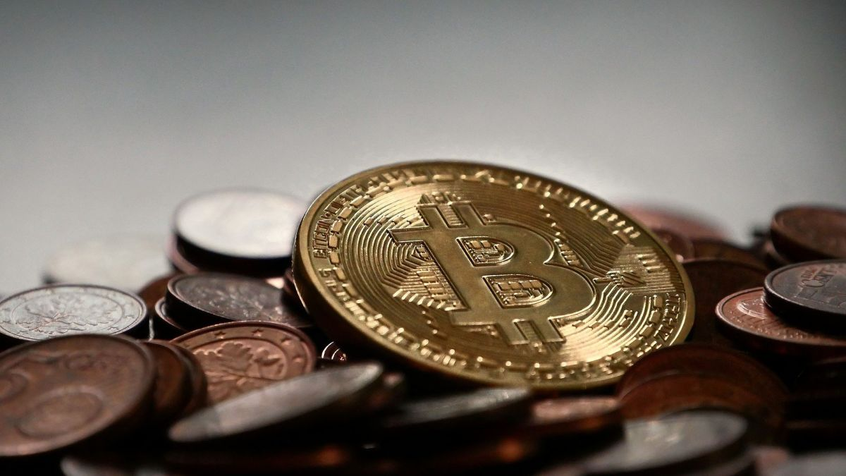 Self-proclaimed bitcoin inventor allowed to file copyright declare on cryptocurrency's whitepaper