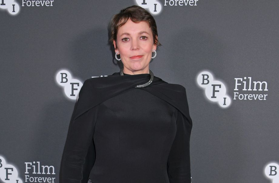 olivia colman discusses difficult crown role