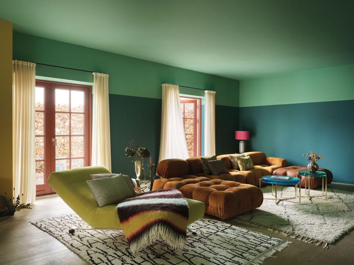 10 tricks interior designers use to make living room ceilings look higher