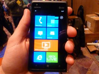 Nokia 910 breaks cover through Dutch retailer