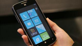 ZTE breaks into top 5 in smartphone world