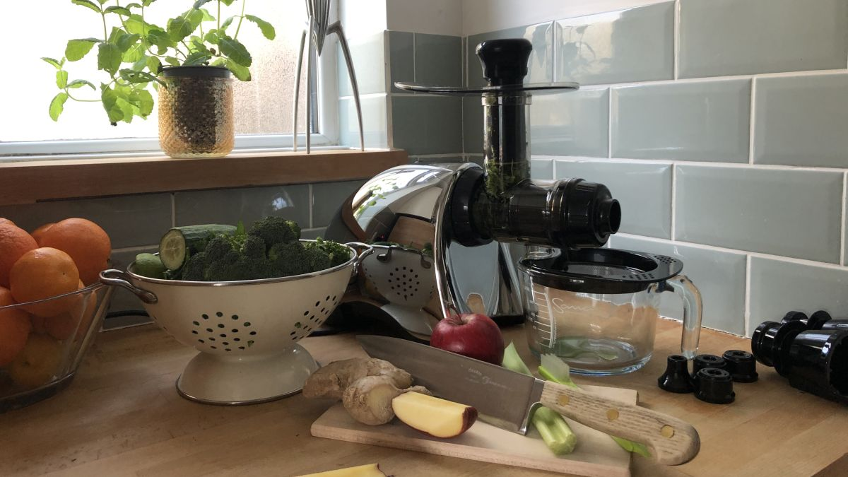 Sana EUJ-707 juicer by Omega review