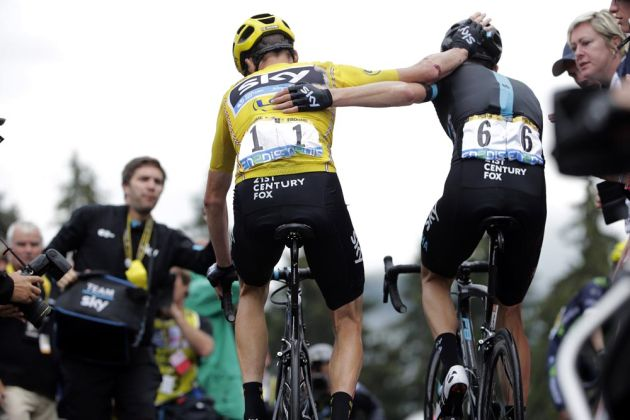 4408e1a30 Chris Froome s Tour de France crash shows  you have to stay focused  say  Team Sky