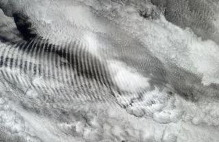 gravity-waves-110415-02
