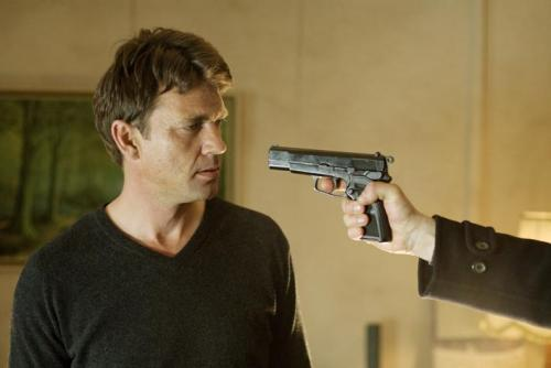 New Town Killers - Dougray Scott's sadistic hunter Alistair finds himself staring down the barrel of his own gun