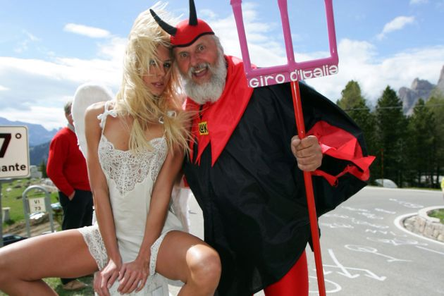 Didi The Devil with an angel on stage 19 of the 2006 Giro d'Italia