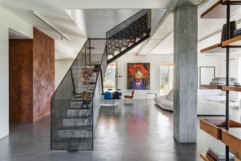 Casa C hallway