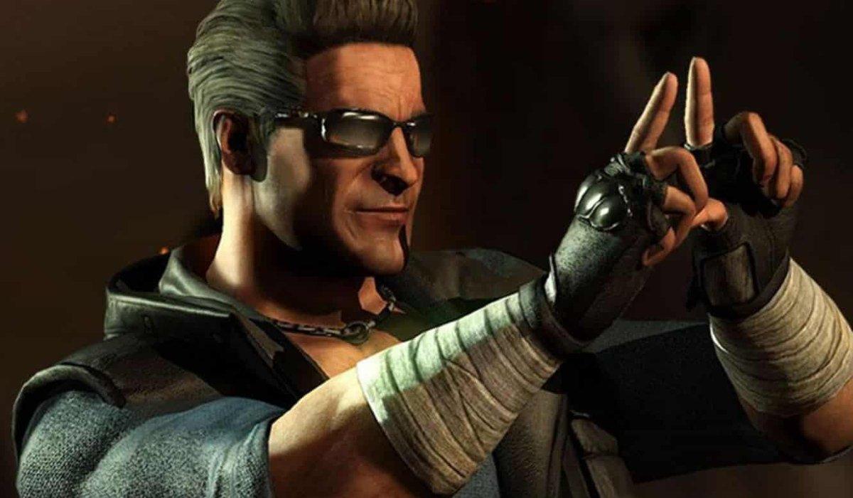 Johnny Cage frames a shot in a Mortal Kombat game.