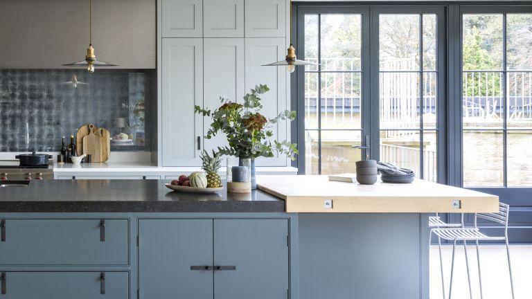 Mixed materials kitchen trend
