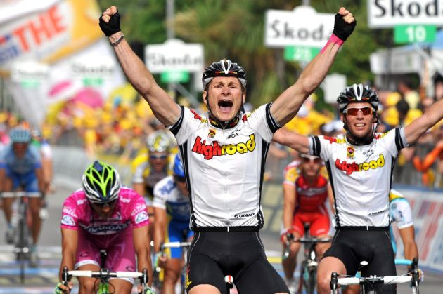 Andre Greipel wins stage 17