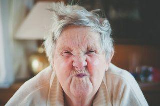 older woman, strain, bodybuilding
