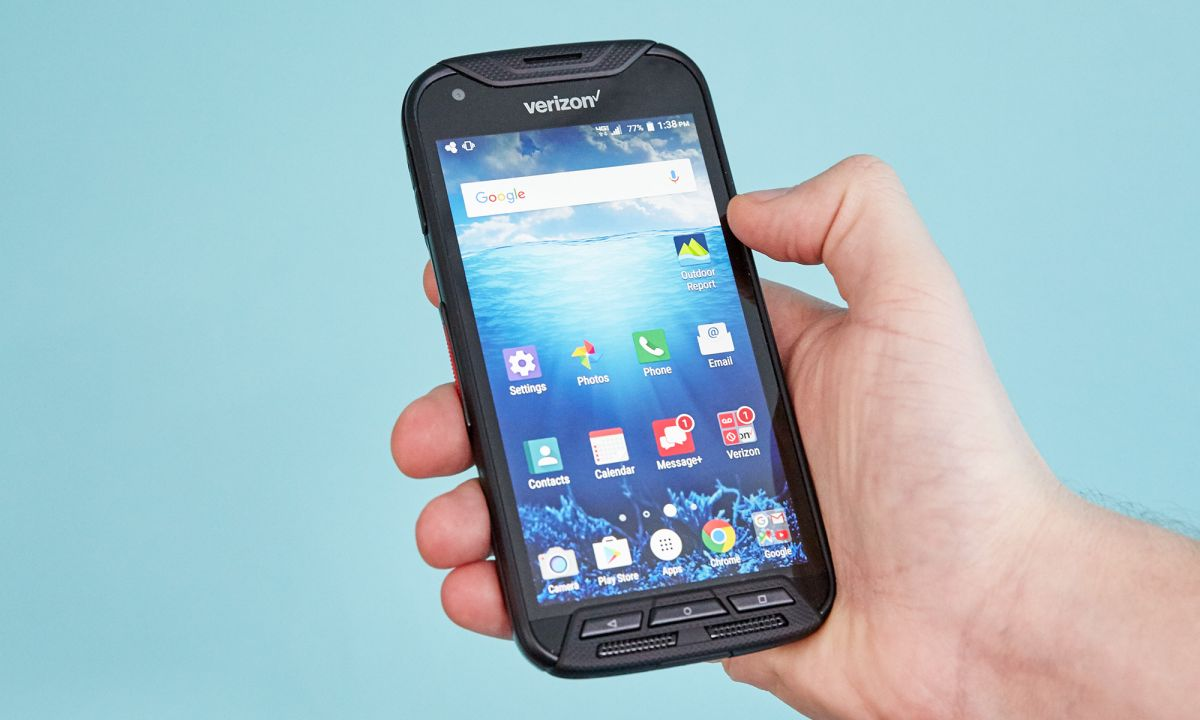 Kyocera DuraForce Pro Review: Unbreakable Exterior with a Blah