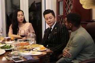 Reggie talks to Chinese millionaires