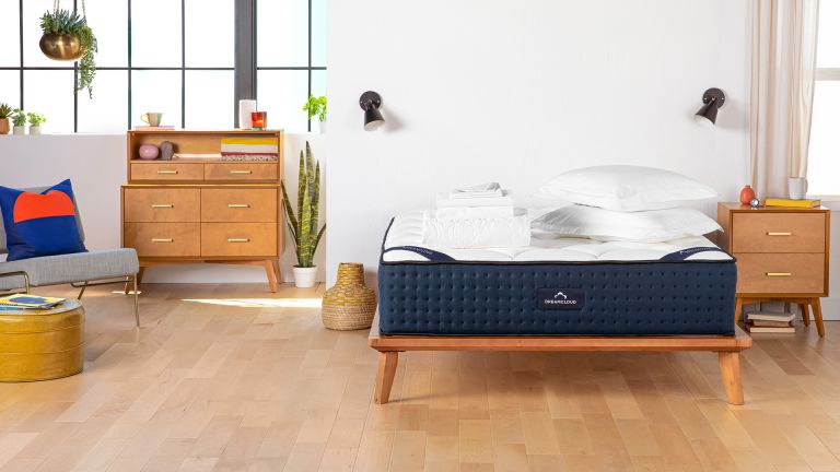 DreamCloud discount codes and deals: Luxury Hybrid mattress