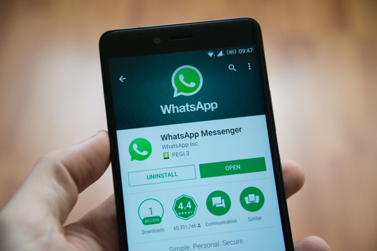 How To Update WhatsApp to Latest Version on Android and iPhone