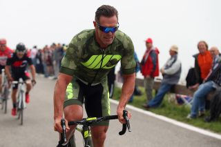 Mario Cipollini rides ahead of the Giro d'Italia
