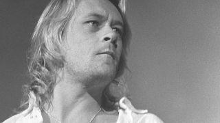 Brian Howe onstage in 1991