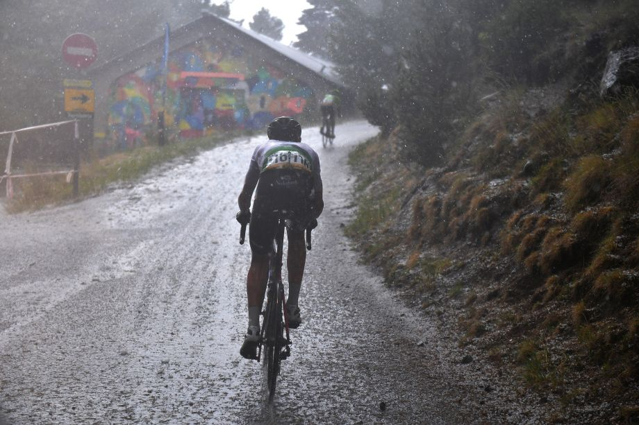 'Nobody was able to stay in control': Jumbo-Visma DS questions inclusion of gravel roads in Vuelta a España