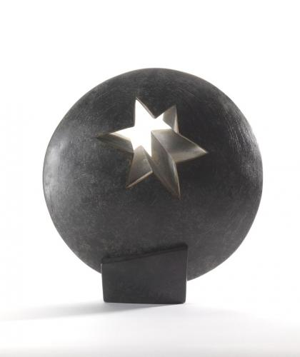Star of London award designed by sculptor Almuth Tebbenhoff