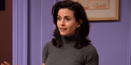 Courteney Cox Reveals How Friends Plays Into Her Free Time While Filming New Horror Series