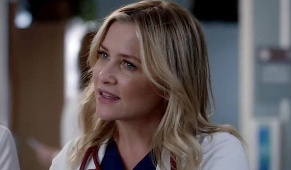 Jessica Capshaw as Arizona Robbins on Grey's Anatomy