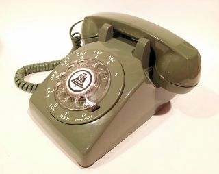 3 ways to use the old-school phone to enrich learning