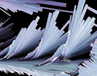Sulfosalicylic Acid Crystal Formation