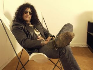 Face it: You'll never look as cool as Slash. But with his new Epiphone AFD Les Paul, you can try to sound like him