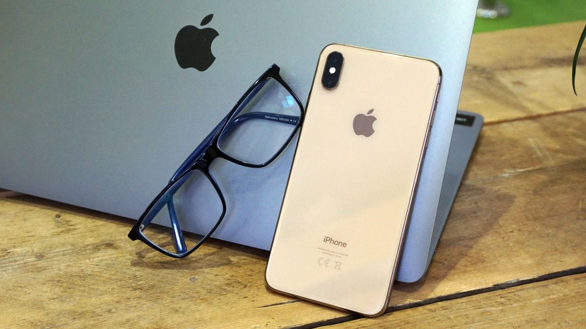 The Apple AR glasses might be launching as soon as 2021