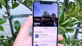 How to use visual look up in ios 15