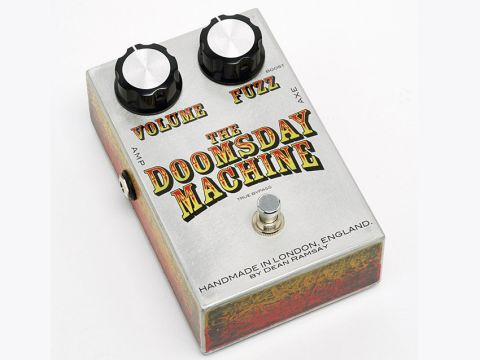 Much like vintage fuzz pedals, there's no tone control on this stompbox.