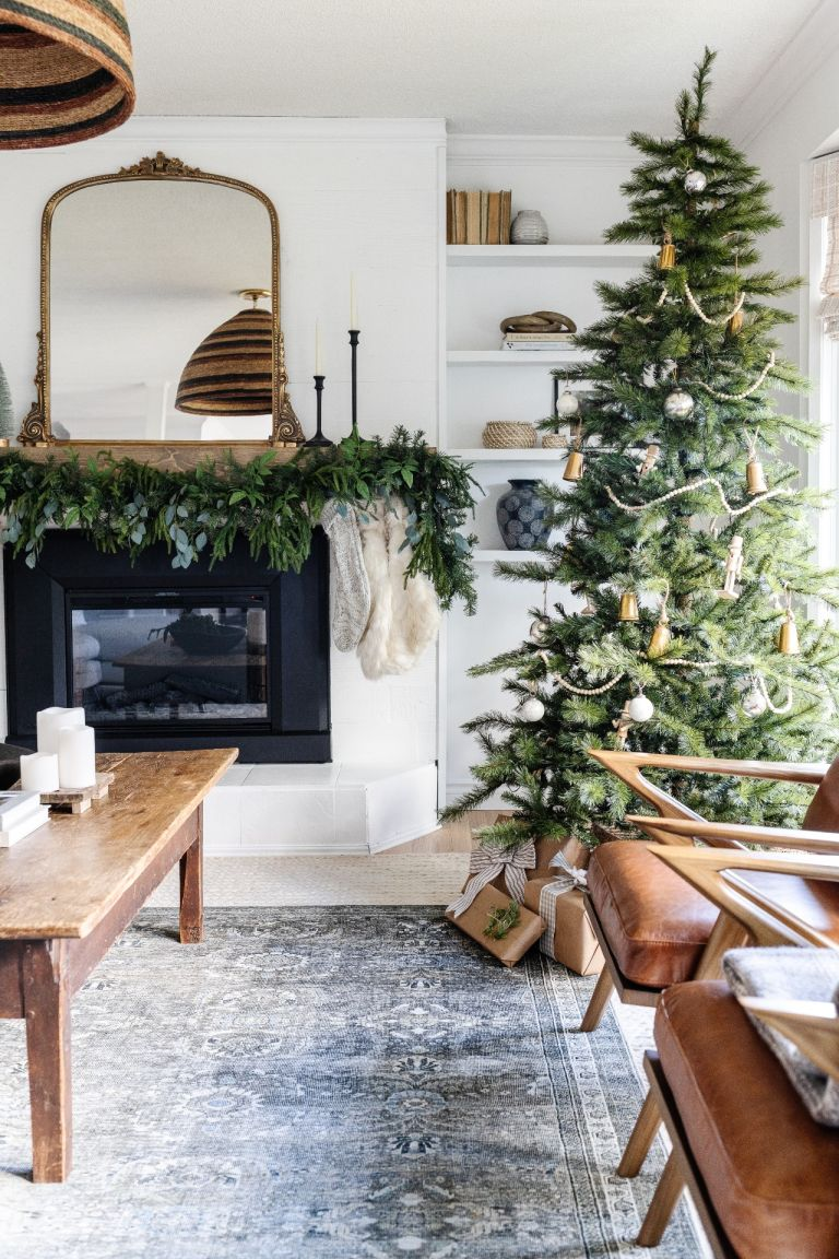 holiday house tour - neutral holiday decorations