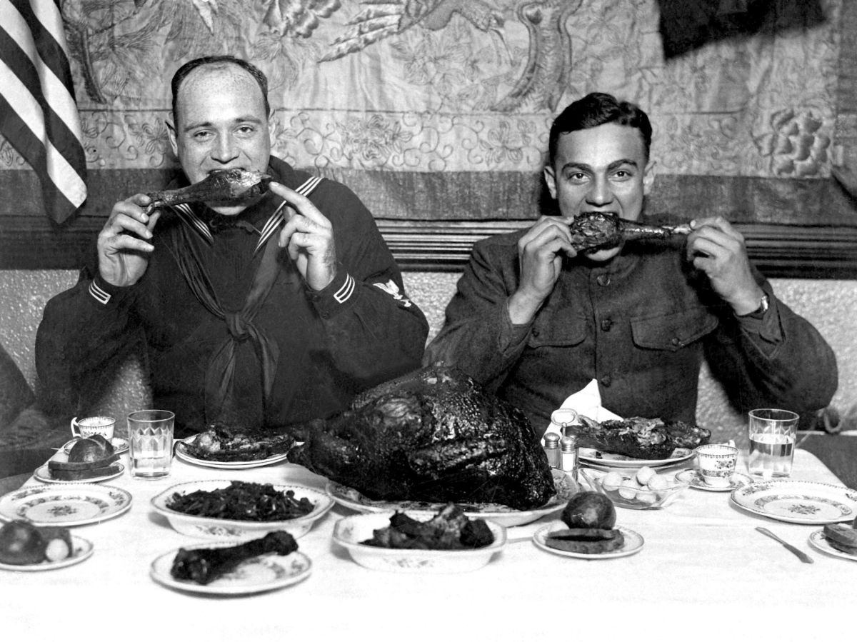 Americans celebrated Thanksgiving during a pandemic before. Here's what happened.